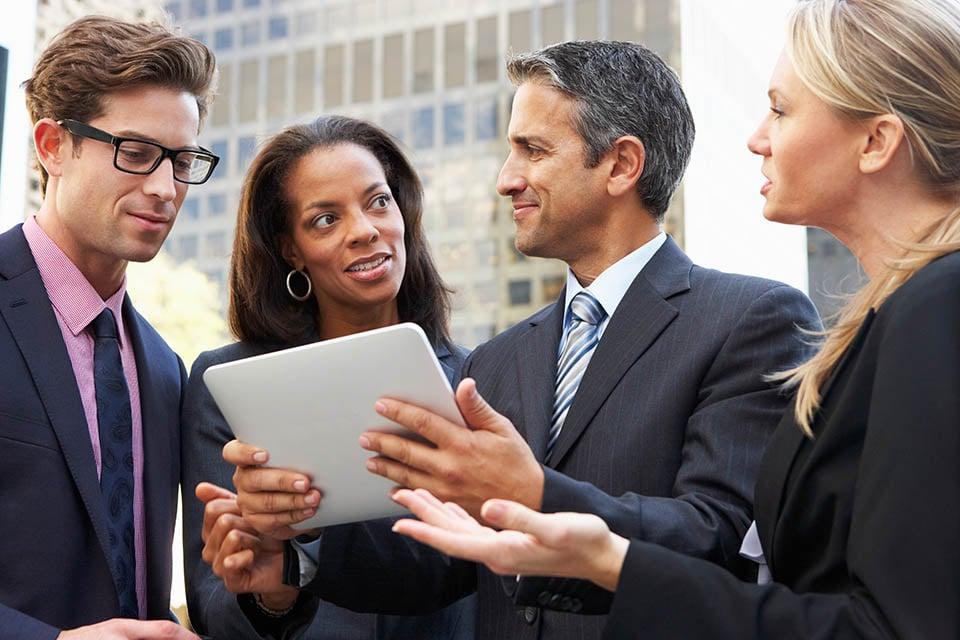 Business people using AliveSim